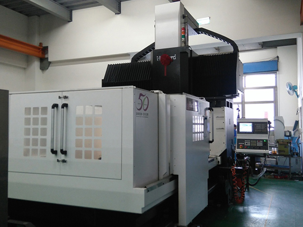 proimages/facilities/Tooling/02_Double-Column_Machining_Center.jpg
